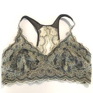 🇨🇦✨NWT✨Black Bow Lace Bralette